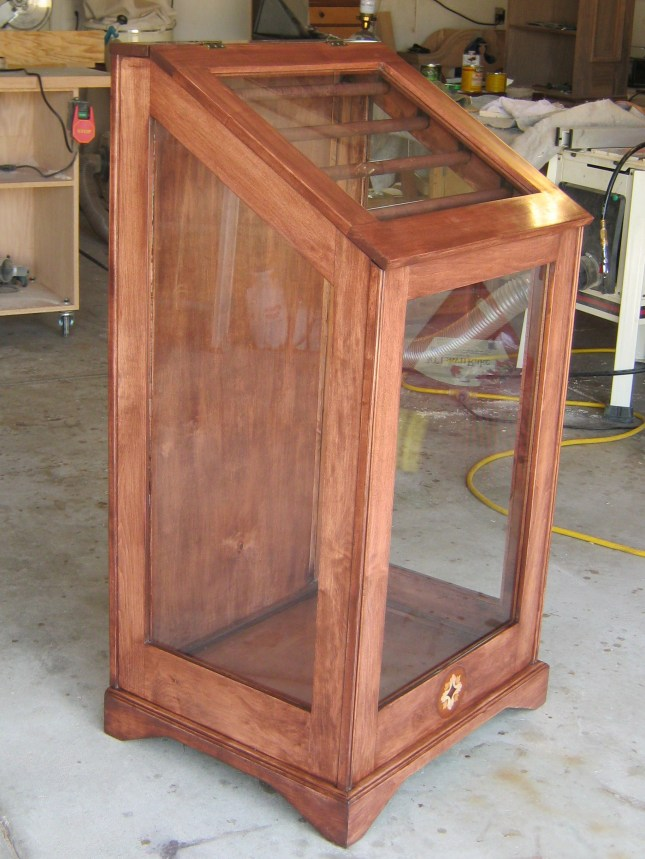 Diy quilt display cabinet plans wooden pdf build a tv for Homemade rack case